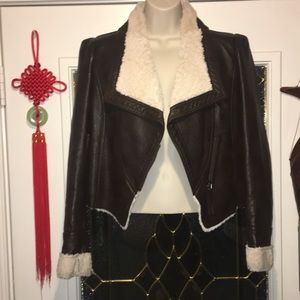 Jackets & Blazers - 🧥A brown leather bomber jacket with fur🧥